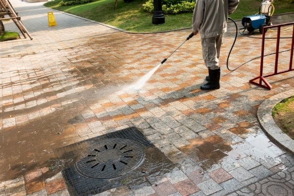 Spotless commercial pressure cleaning Cambridge